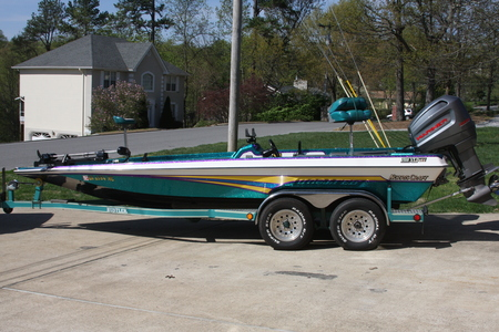 Viewing a thread norris craft 2000 xldvee not for sale for Norris craft boats for sale