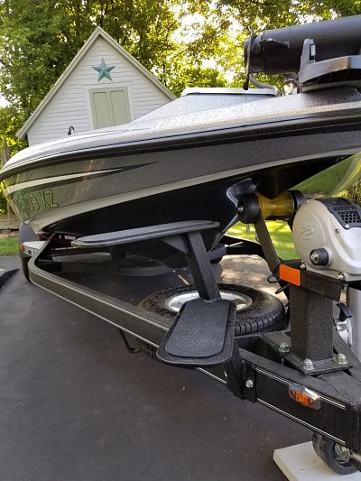 Viewing A Thread Boat Trailer Step Up With Handle