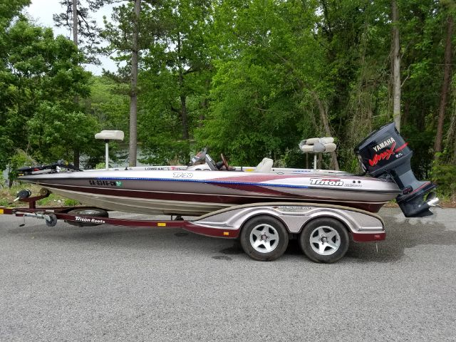 viewing a thread 2003 triton tr 20 bass masters classic. Black Bedroom Furniture Sets. Home Design Ideas