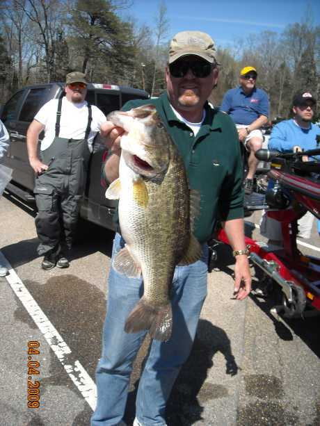 Another shot of my 7.83 pounder, was my persoanl best at the time for the Chick.04/03/09