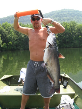 scott and his personal best 19 pound blue.